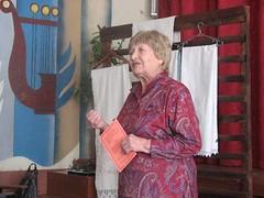 С напутственным словом к учащимся обращается гость конференции, местная поэтесса Ходорковская Галина Емельяновна