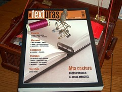 Performance del primer numero de la revista Texturas