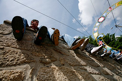 07125D2736 (Paulgi) Tags: party sky portugal book shoes europe lima vila franca outtake pilgrims romeiros minho 17mm paulgi top20street romeirosouttakes