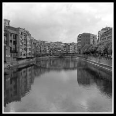 Girona reflections #1 (felber) Tags: houses bw españa house water reflections river spain europa europe noiretblanc catalonia girona bn sw catalunya cb gerona onyar