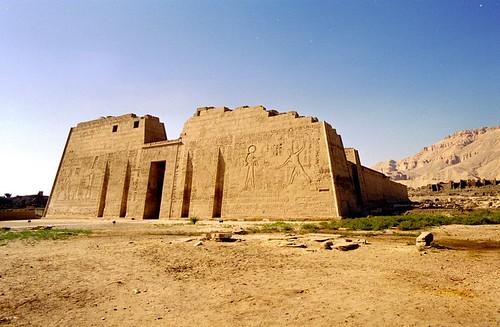 1999 10 Medinet Habu, Tempel van Ramses III por Hans Ollermann.