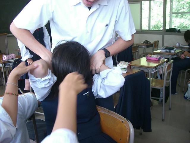 登校・放課後・休日の制服女子高生 6着目YouTube動画>6本 ->画像>144枚