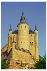 El Alcazar de Segovia (R.Duran) Tags: espaa castle spain nikon espanha europa europe segovia alcazar d200 espagne castillo castillayleon 18200mmf3556gvr castileandleon ltytr2 ltytr1