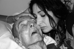 Goodbye kiss (TwoCrabs) Tags: usa death virginia kiss dad father daughter may alzheimers dying 2007 dementia alzheimersdisease