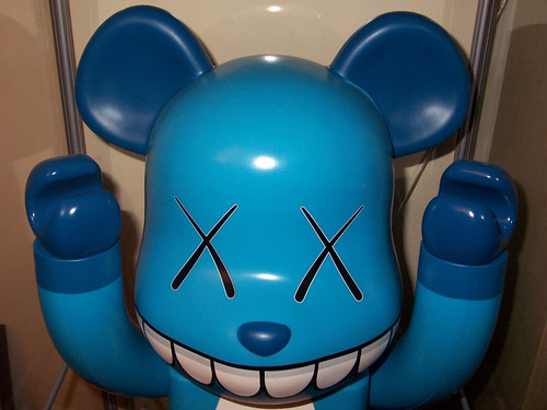 KAWS CHOMPERS 1000% by cpi_ethanh.