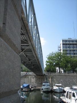 (24-5) some like rivers and some like bridges