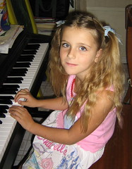(antonina1999) Tags: girl piano