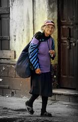 La Vida En La Espalda (ivan castro guatemala) Tags: people canon calle mujer women gente homeless age favoritas pobre anciana canonrebelxt eosrebel pobreza ivancastro ivanaire ivancastulo ramanish ivancastropeña