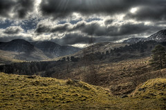Highlands Landscape (bgladman) Tags: travel sun mountains nature clouds digital landscape photography scotland photo highlands nikon d70 stock scenic scottish escocia explore nikkor hdr highdynamicrange schottland scozia écosse itsonginvite tonemapped 苏格兰 スコットランド шотландия brendangladman स्कॉटलैंड اسكتلندا