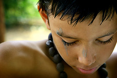 Searching for peace... (carf) Tags: poverty boy brazil boys brasil kids children hope kid eyes community education support peace child eyelashes risk peaceful esperana social impoverished underprivileged altruism thoughts thinking educational development prevention atrisk theface mundouno cleison