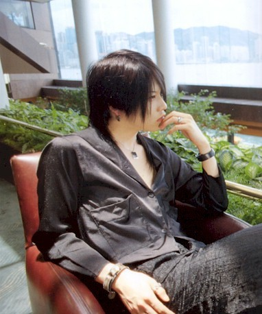 Miyavi being manly BEFORE TATTOOS