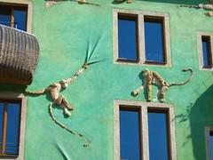Kunsthofpassage - Affen (Weingarten) Tags: germany deutschland dresden saxony sachsen allemagne germania neustadt saxe dresda sassonia kunsthofpassage