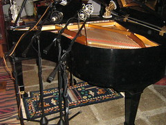 mics on baby Grand Piano Remote Recording Session (soundweavers) Tags: piano grandpiano tubemic neumannu87 ribbonmic pianorecording aear84 pelusor14 rodek2
