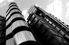 lloyds_angle_03 (morphina_org) Tags: city urban london architecture blackwhite arquitectura bank londoncity richardrogers lloydsbank