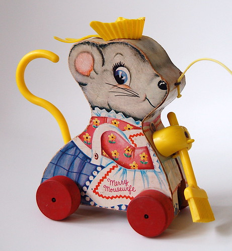 fisher-price merry mousewife #662 (1965)