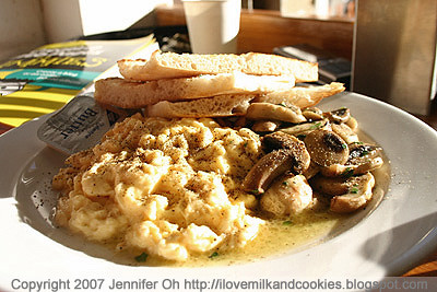 Scrambled Eggs and toast with mushies