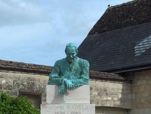 Statue de Rabelais (par M. Audouard)