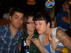 THE FINGERS (Joey Doom) Tags: me beer brittany christina quarterdeck