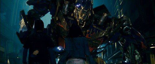 Transformers pelicula Optimus frente a Megan fox