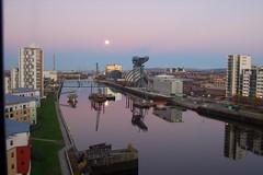 Clyde bridge 161105_020 (design is central) Tags: bridge pink winter moon sunrise dawn scotland riverclyde clyde timelapse glasgow moonset
