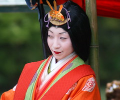 A set on Mifune Matsuri 16 (aurelio.asiain) Tags: red portrait people beauty face look festival japan rouge persona japanese rojo kyoto colorful retrato cara joy arashiyama   ritual vermell  rosso  jappan   aurelioasiain ionushi  mifunematsuri