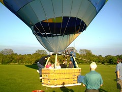 IMAG0219 (yxxxx2003) Tags: new blue red hot green air baloon ballon balloon milton keynes mk yello 2007 balon olney hotairballon yxxxx