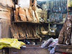 (_desertsky) Tags: digital asia yemen sanaa oldtown tobacco suq panasoniclx1 arabicpeninsula