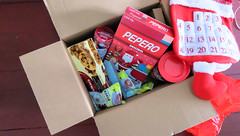 sopresapadala lbc express (13 of 14) (Rodel Flordeliz) Tags: pepero lindt chocoalte sweets holidaygifts sorpresapadala lbc lbcexpress walkers box courier services