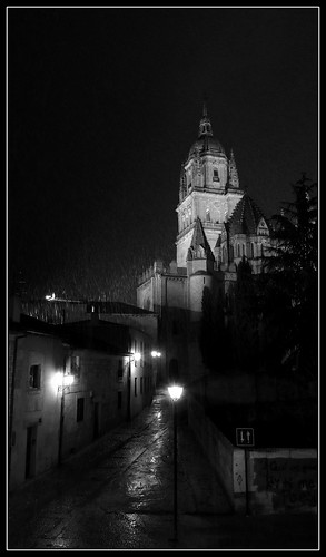 Catedral nevando