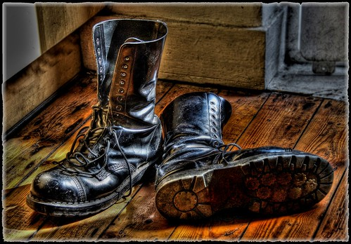 raw boots hdr grinders 14holes