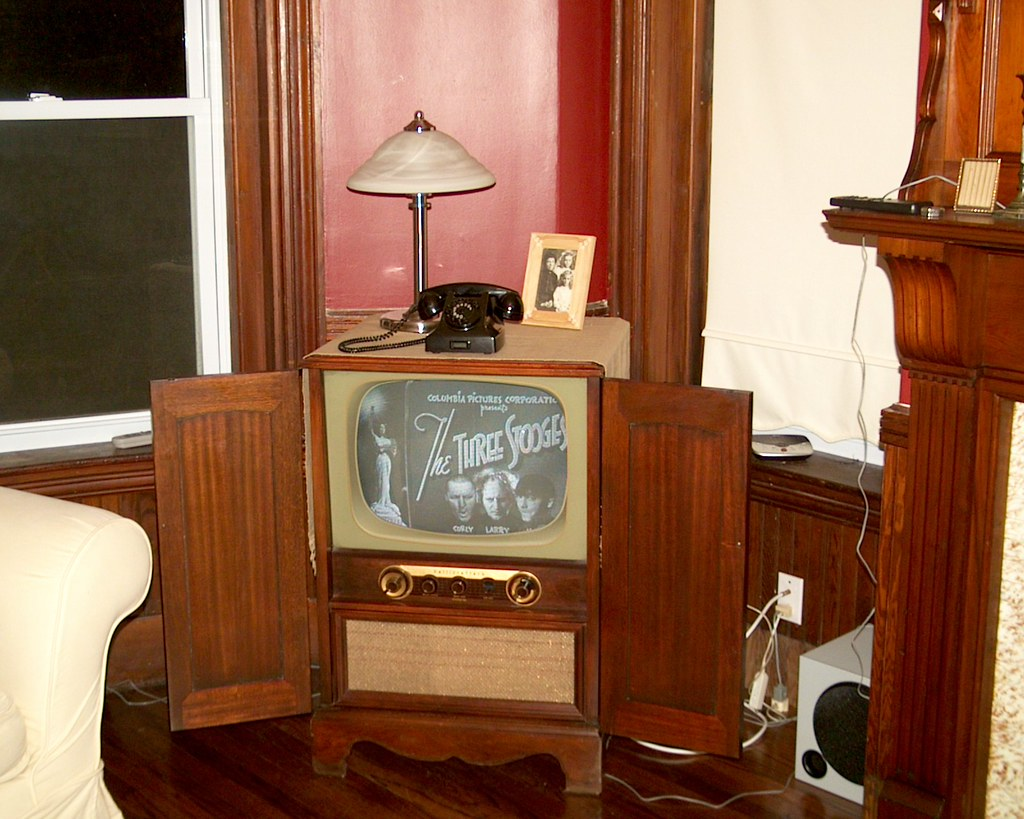 Grandma's 1950 Hallicrafter Television Lives Again