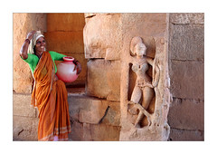 Duo (Elishams) Tags: sculpture woman india statue temple indian karnataka indianarchive hampi southindia  abigfave flickrbest 50millionmissing flickrdiamond tribesandhya