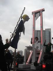 IMG_1190.JPG (Iconoduel) Tags: effigy beheading guillotine versionfest artwar artropolis maggiedaley