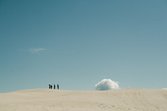 a race around the earth (lolitanie) Tags: cloud denmark sand dune explore danmark skagen råbjergmile danemark nordjylland lolitanie jmluneau abigfave raabjergmile