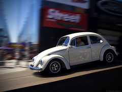(Andreas Reinhold) Tags: white motion blur car bug volkswagen drive movement ramp driving stage beetle hannover otto but callook kfer fusca type1 dfl typ1 andreasreinhold