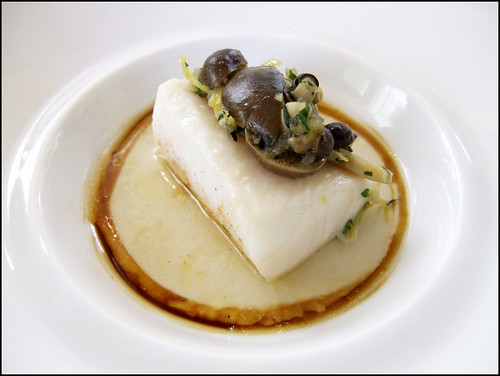 Jean Georges (New York) - Poached Black Cod w/ Honshimeji Mushrooms & Lemongrass Consomme
