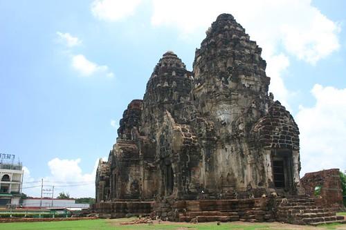 Lop Buri monkey temple