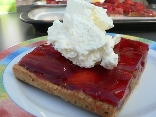 Erdbeer-Rhabarber-Schnitten
