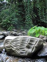 En el Rio Cristales se hallaron piedras con agujeros