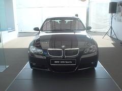 25.BMW 325i
