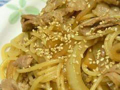 豚肉と大根の皮のオイスターソース風味スパゲティ