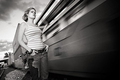(-Antoine-) Tags: railroad portrait canada motion girl train canon movement topf50 montral quebec montreal mary railway qubec 10d singer mf mileend fille 1740mm mouvement chanteuse rockchick vanhorne mariefrance marypage antoinerouleau antoinerouleau
