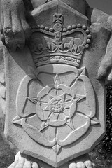 Tudor rose (a.drian) Tags: england blackandwhite kewgardens london kew blackwhite heraldry britain mythicalbeasts tudorrose royalarms