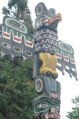 Eagle Eye (cwgoodroe) Tags: bear park wood sculpture art digital oakland bay eyes colorful paint bright eagle pentax native hawk d totem carving historic nativeamerican area totempole ist