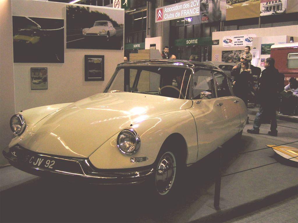 (030) CITROEN DS 19 (1956)