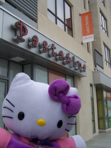 hello kitty at pastagina