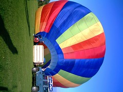 IMAG0209 (yxxxx2003) Tags: new blue red hot green air baloon ballon balloon milton keynes mk yello 2007 balon olney hotairballon yxxxx