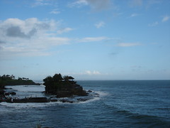 in bali (HARRY  whitey) Tags: travel bali tanahlot