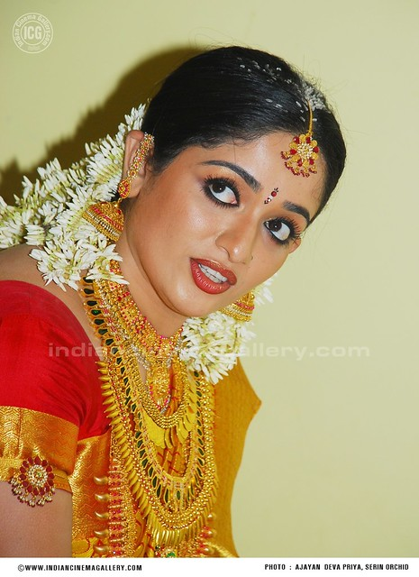 kavya-madhavan-wedding-photos-www_indiancinemagallery_com91