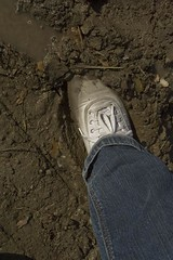 muddy_balloons_38 (sneaker lover) Tags: white fetish balloons shoes dirty canvas worn sneaker muddy keds